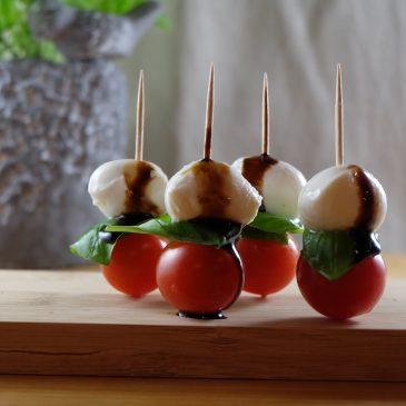 Tomaten-Mozzarella Spieße