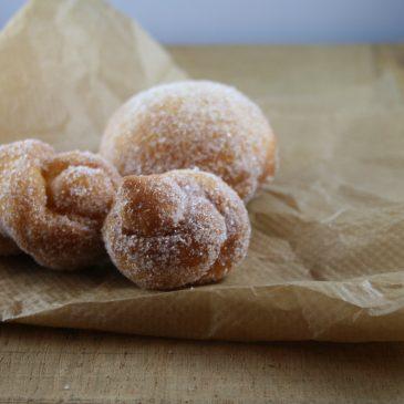 Fueskichelcher (Luxemburgish Doughnuts)